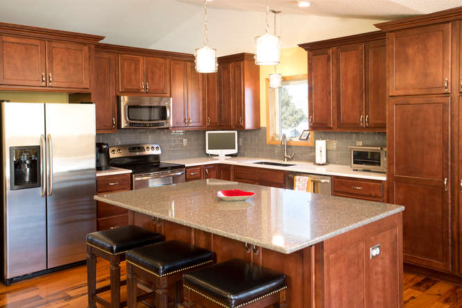 Creating countertop/seating space with Islands and Peninsulas ...